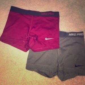 2️⃣ Pairs of Nike Pro's 🏃♀️